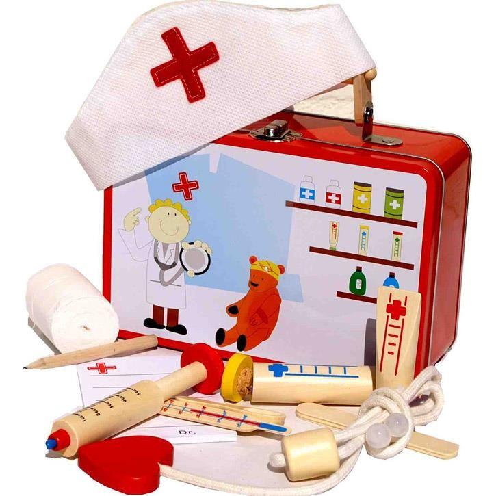 Aurich 85430 Arzt-+Schwestern-Set,Holzausf. 3 Spritze,Stethoskop,Thermometer Verband,Blechkoff.m.Holzgriff 20x15x7cm