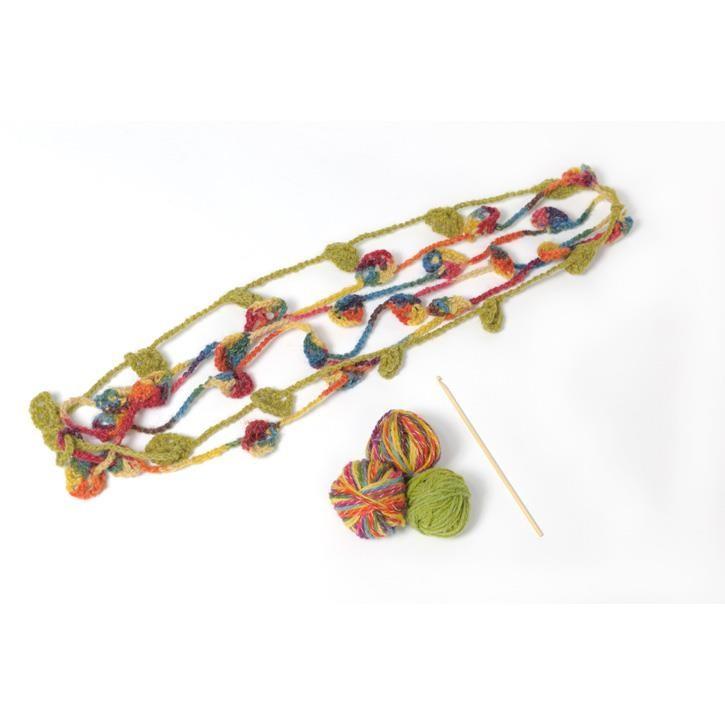 Filges Häkelblumen-Kette, multicolor, pflanzengefärbt